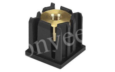 Заглушка с резьбой для квадратной трубы